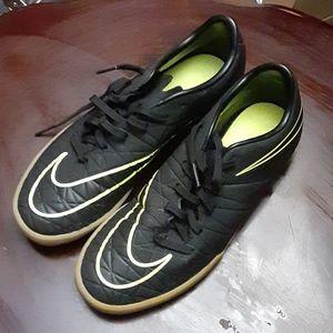 Womens Nike HyperVenoms Size 7